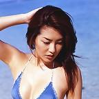 Drop dead gorgeous gravure idol babe at the beach in her bikini