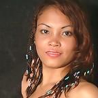 Hot Filipina model poses for the camera