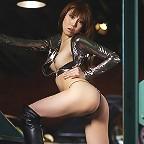 Reina Yuuki Pit Girl
