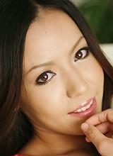 Japanese AV idol Shinobu Todaka gets mouthfull of cum after giving head